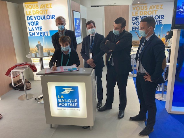 Ecole de Gouesnou : signature du prêt entre BMa et La Banque Postale
